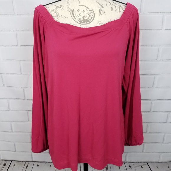 30f4be35a999c6 White House Black Market Tops